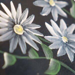 Uit de Kast Fashion Bloemen tas leder Blue Daisies close-up
